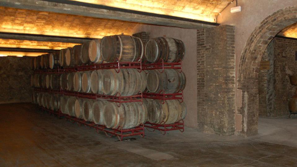 wine-cellar-242046_1280